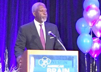 American Brain Foundation Presents Prestigious Public Leadership in Neurology Award