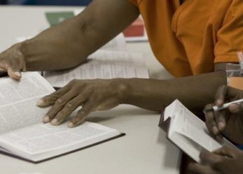 """Prisoners in NYC to Get Free Copies of """"The New Jim Crow"""" Book"""
