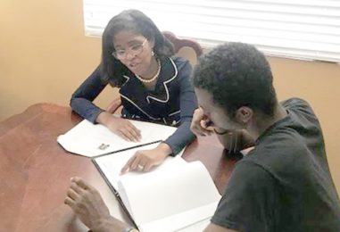 Program Helps African American and Low Income Students With College Admissions and Enrollment