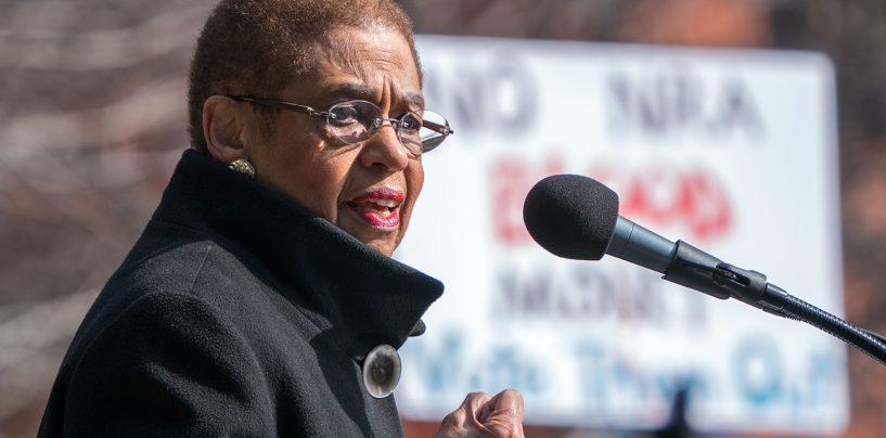 Congresswoman Norton Leads Bipartisan Group Seeking to Protect Women Drivers